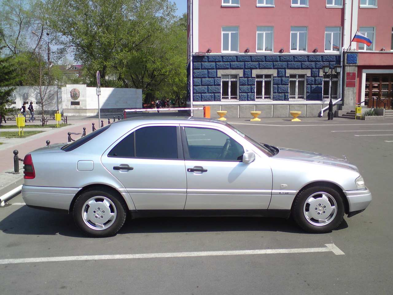Mercedes benz c class w202 service manual 1994 2000 for Mercedes benz c class service b