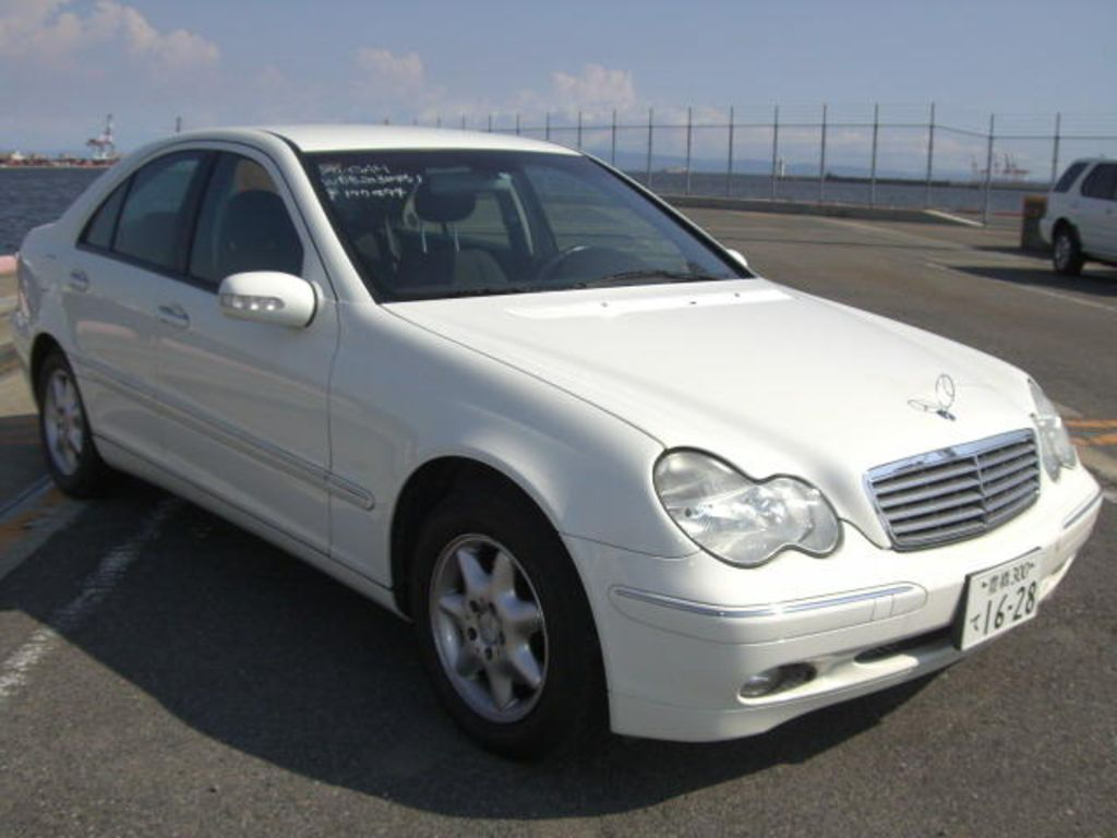 2001 mercedes benz c class pictures. Black Bedroom Furniture Sets. Home Design Ideas