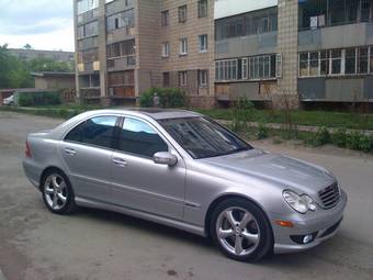 2006 mercedes benz c class pictures gasoline fr for Common problems with mercedes benz c class