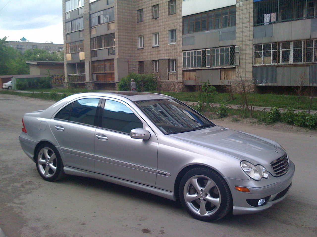 2006 mercedes benz c class pictures gasoline fr for Mercedes benz c class 2006 price