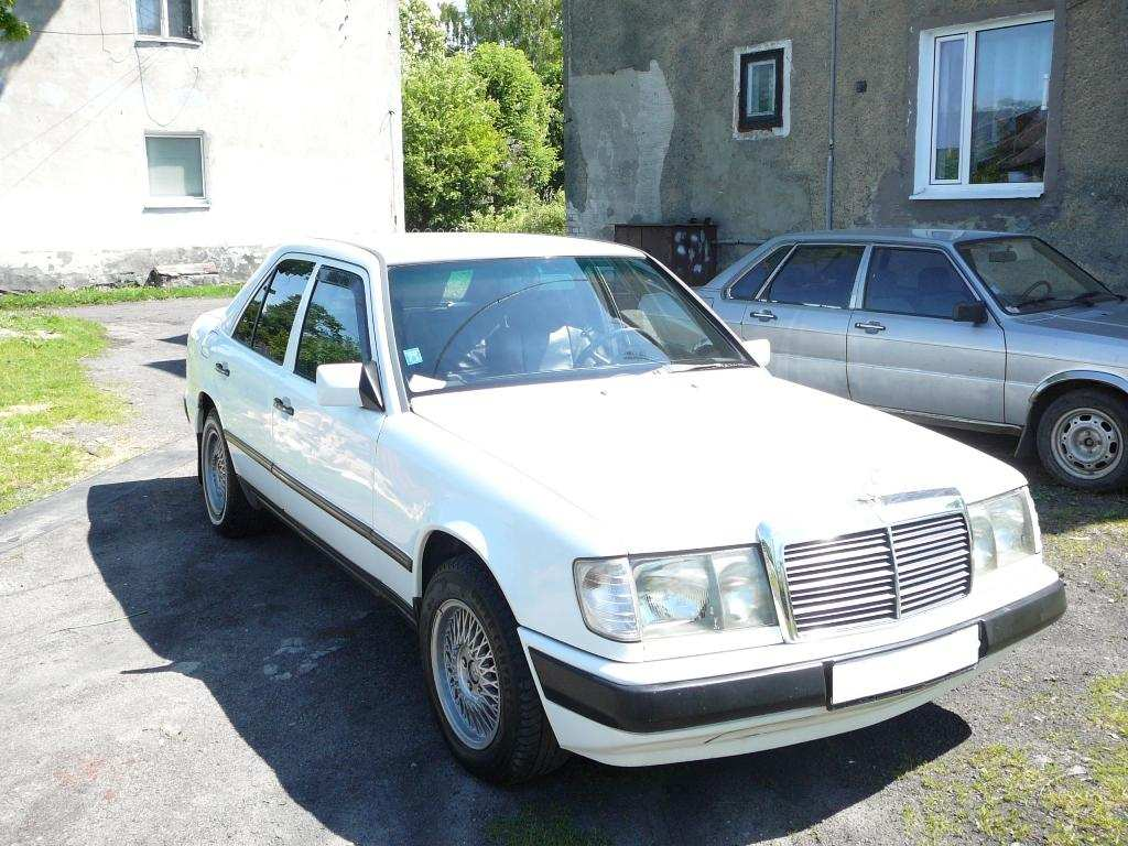 Used 1985 mercedes benz e class pics 2 0 diesel fr or for Mercedes benz e class manual