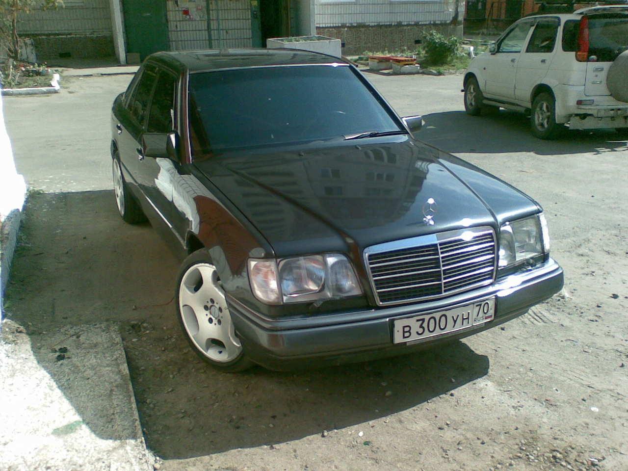 1994 mercedes benz e class pictures gasoline for Mercedes benz e320 1994