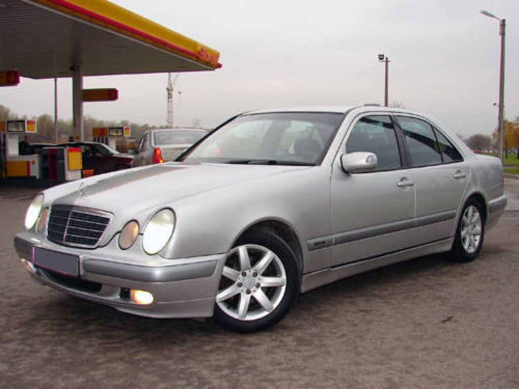 1999 mercedes benz e class pictures. Black Bedroom Furniture Sets. Home Design Ideas