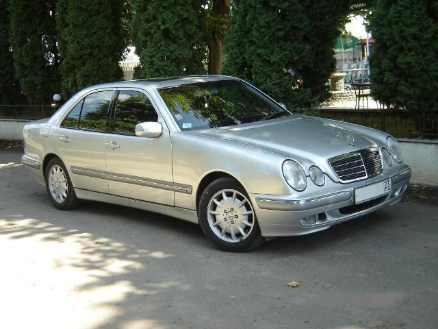 1999 mercedes benz e class pictures gasoline fr. Black Bedroom Furniture Sets. Home Design Ideas