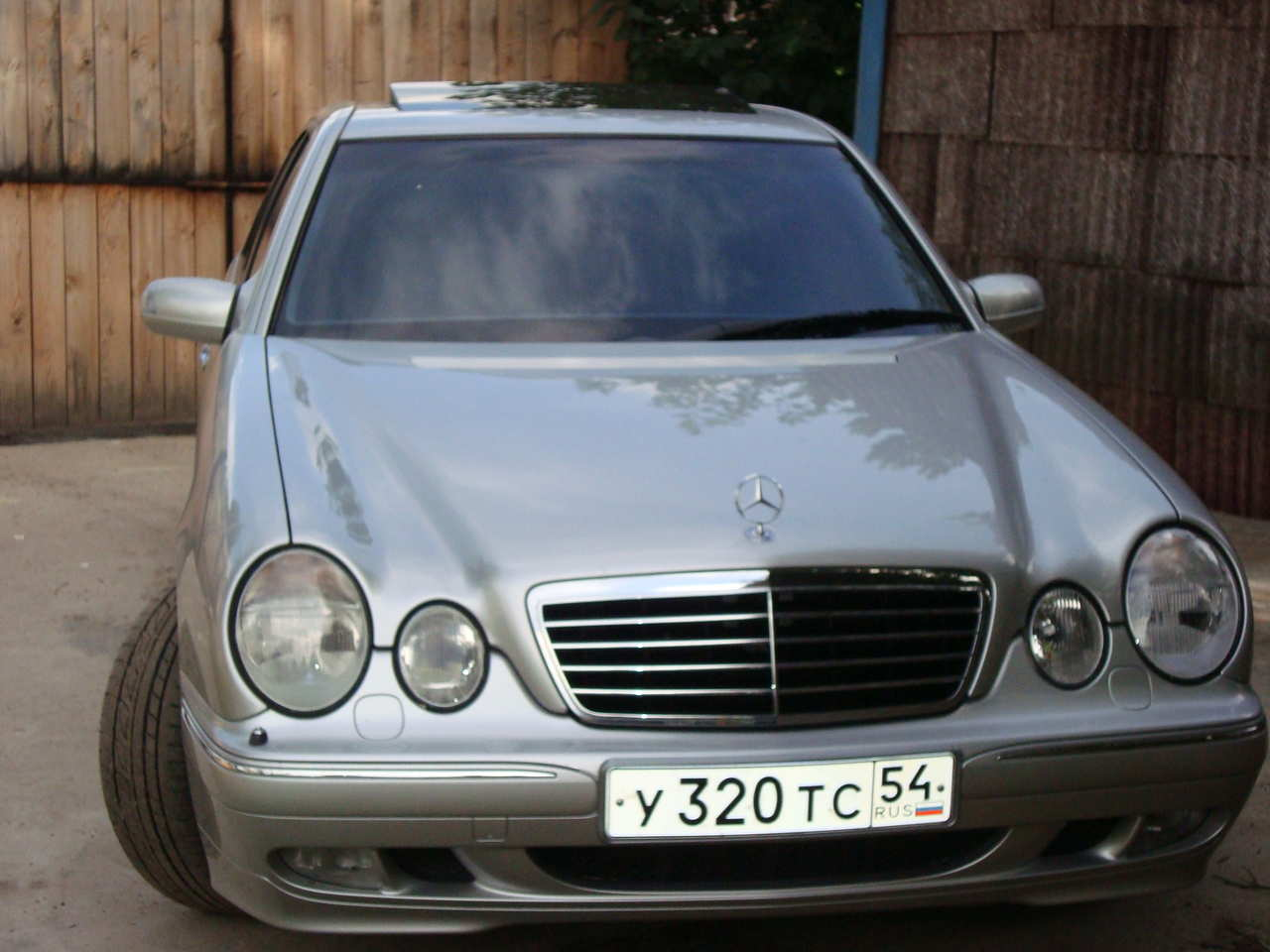 Used 2001 mercedes benz e class photos 3200cc gasoline for 2001 mercedes benz e320 for sale