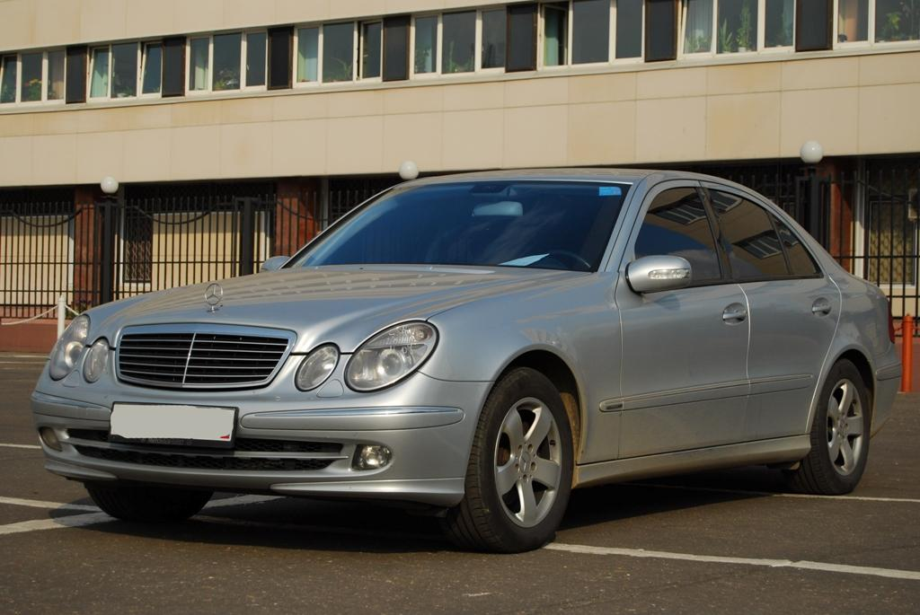 2005 mercedes benz e class pictures gasoline fr for Mercedes benz e class 2005