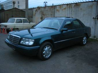 used 1994 mercedes benz e220 photos 2cc gasoline manual for sale. Black Bedroom Furniture Sets. Home Design Ideas