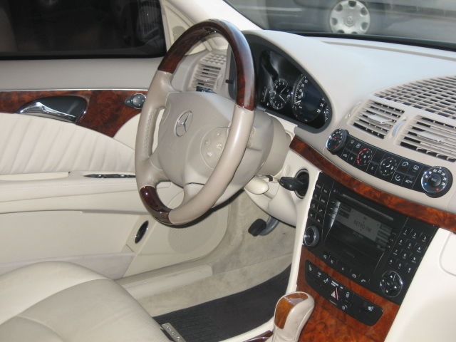2002 Mercedes Benz E320 Pictures