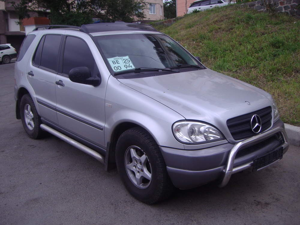 used 1999 mercedes benz ml class photos 3200cc gasoline. Black Bedroom Furniture Sets. Home Design Ideas