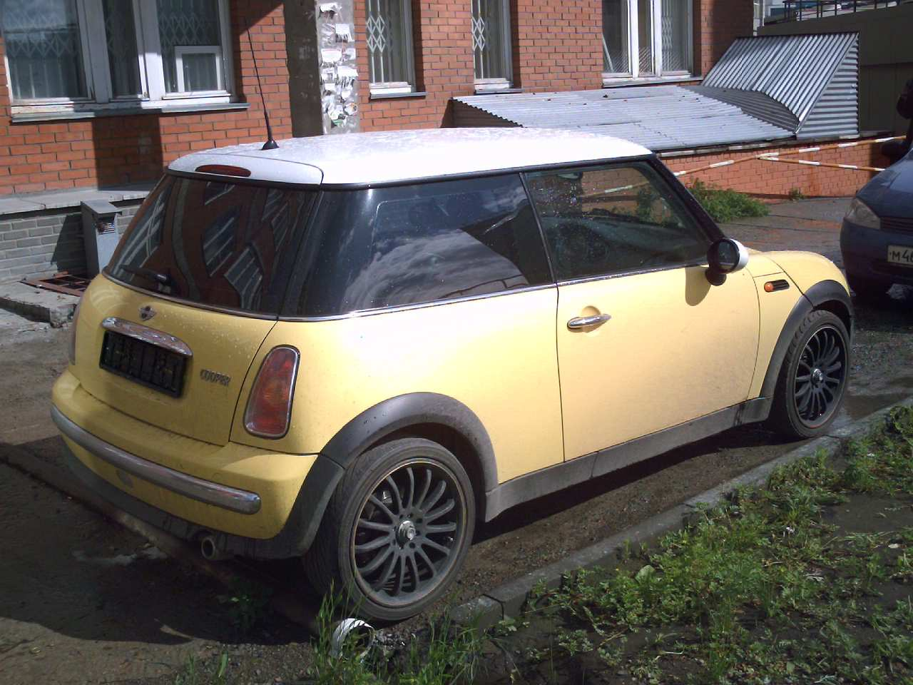 2002 mini cooper pictures gasoline fr or rr automatic for sale. Black Bedroom Furniture Sets. Home Design Ideas