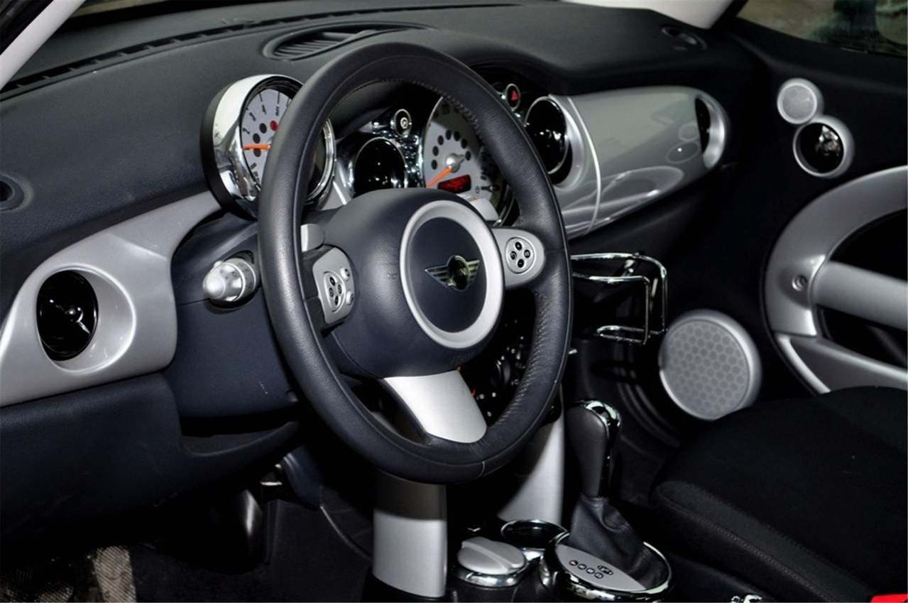 2009 mini cooper s wallpapers gasoline ff automatic for sale. Black Bedroom Furniture Sets. Home Design Ideas