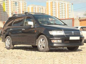 1999 Mitsubishi Chariot Grandis Pictures