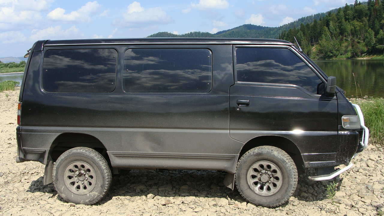 Used 1992 Mitsubishi Delica Photos, 2500cc., Diesel, Automatic For Sale
