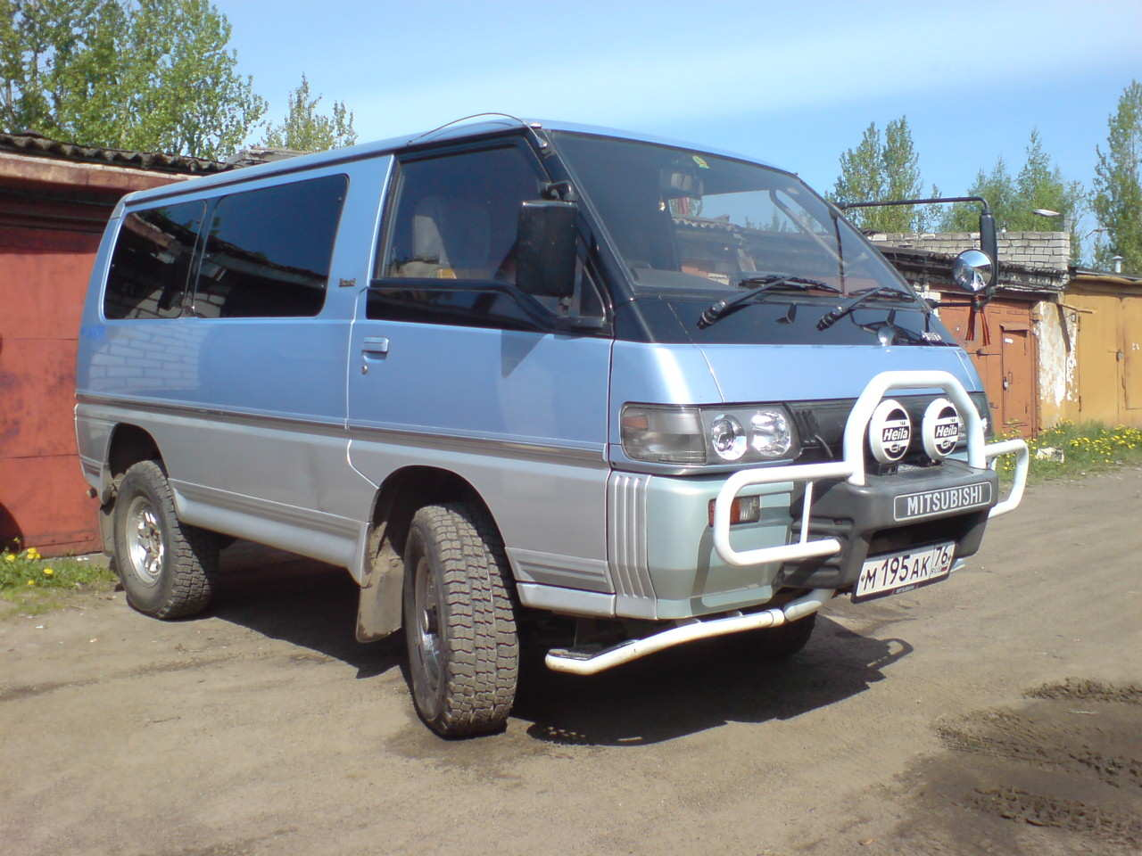 Mitsubishi Delica: specifications and photos 47