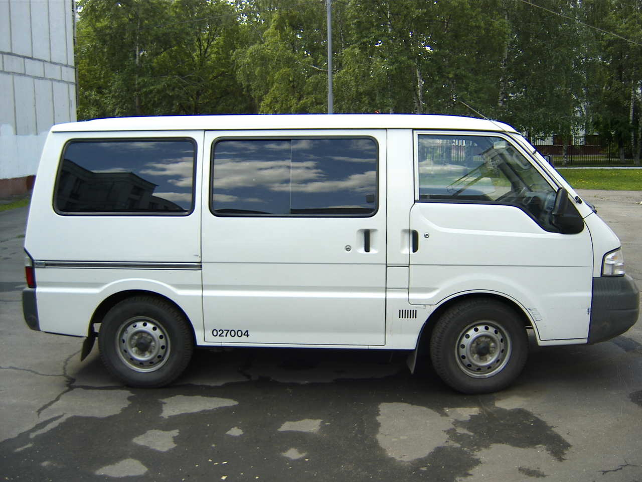 2002 Mitsubishi Delica VAN Pictures, FR or RR, Automatic For Sale