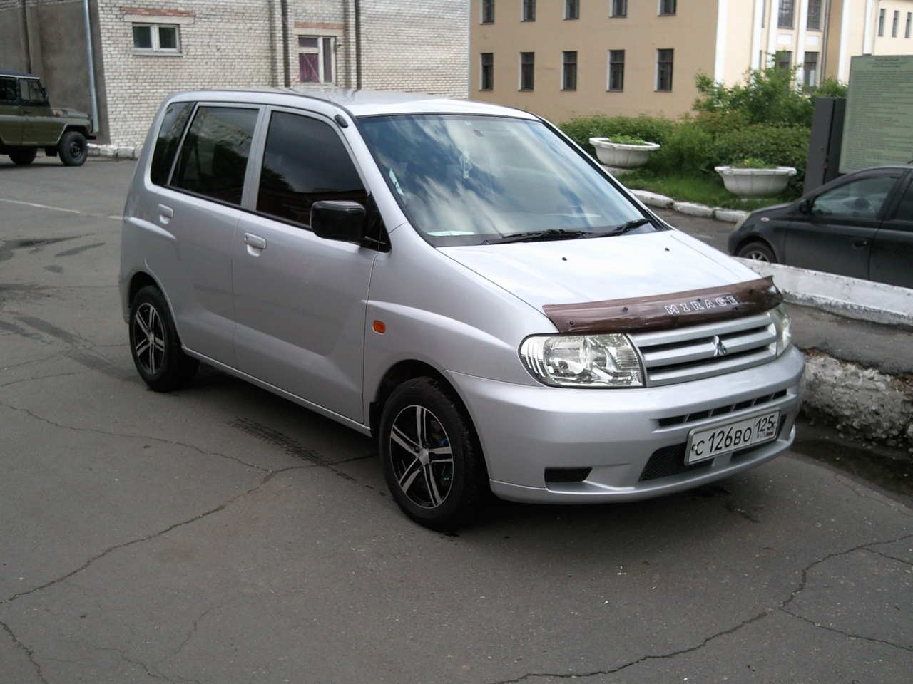 2002 Mitsubishi Dingo Photos  1 3  Gasoline  Ff  Automatic