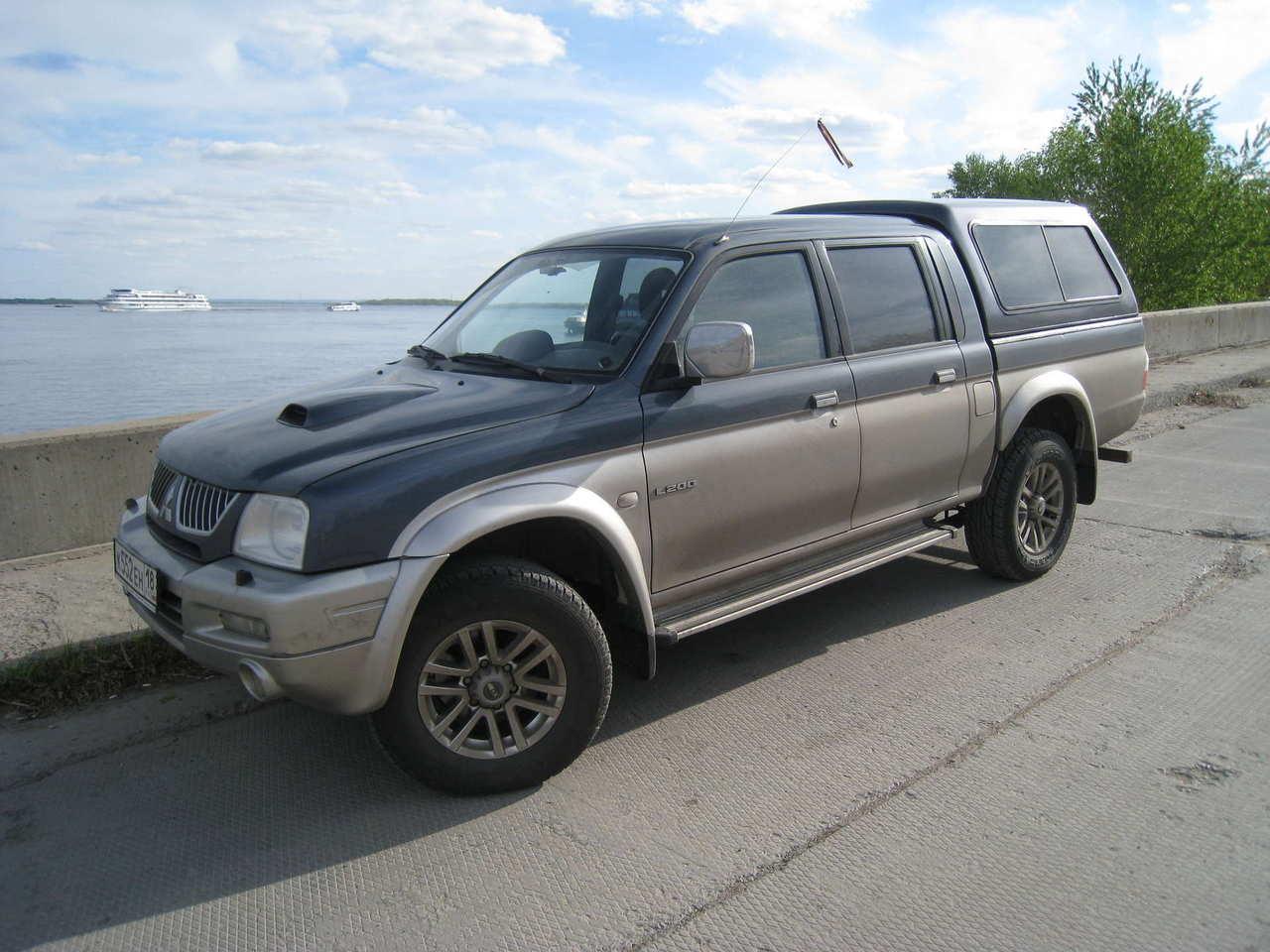 2005 Mitsubishi L200