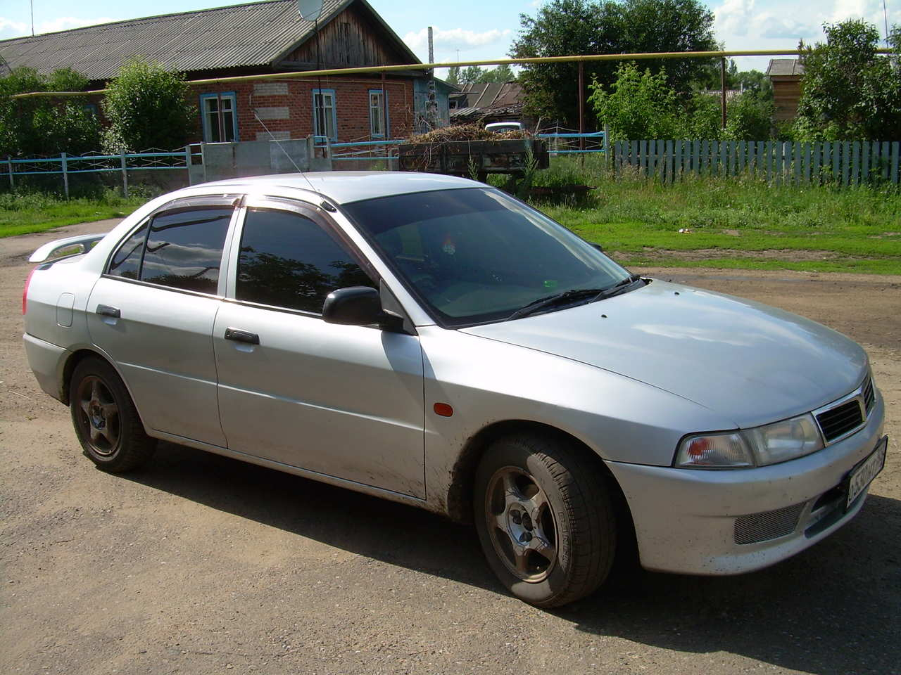 Used 2000 Mitsubishi Lancer Photos, 1300cc., Gasoline, FF, Automatic
