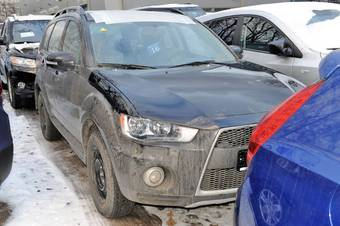 2011 Mitsubishi Outlander Pictures