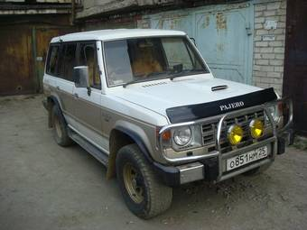 used 1990 mitsubishi pajero photos 2500cc diesel automatic for sale. Black Bedroom Furniture Sets. Home Design Ideas