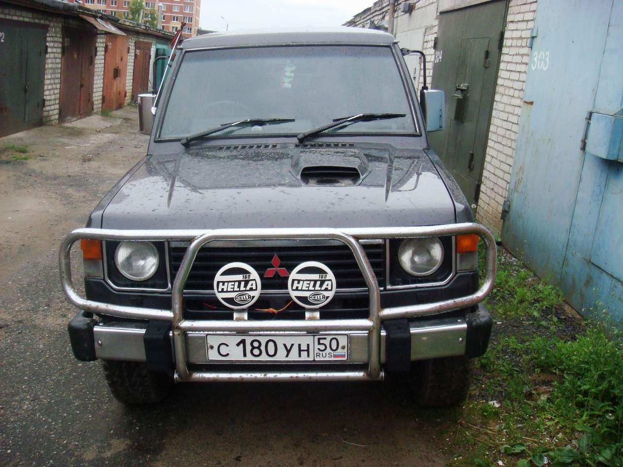 1990 mitsubishi pajero photos 2 5 diesel automatic for sale. Black Bedroom Furniture Sets. Home Design Ideas
