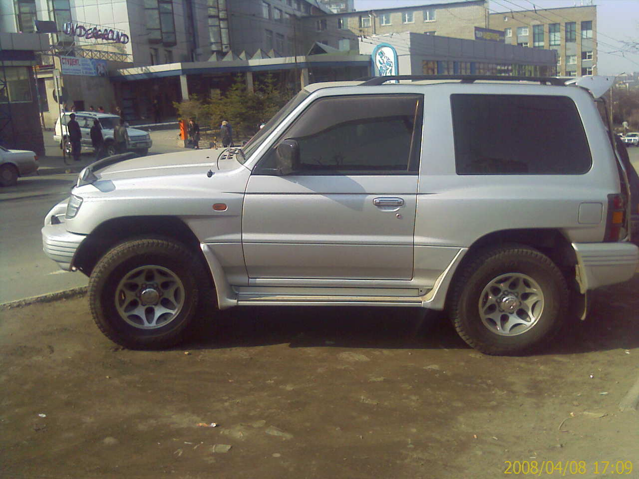 used 1998 mitsubishi pajero photos 3500cc gasoline. Black Bedroom Furniture Sets. Home Design Ideas