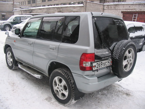 1999 Mitsubishi Pajero IO Photo