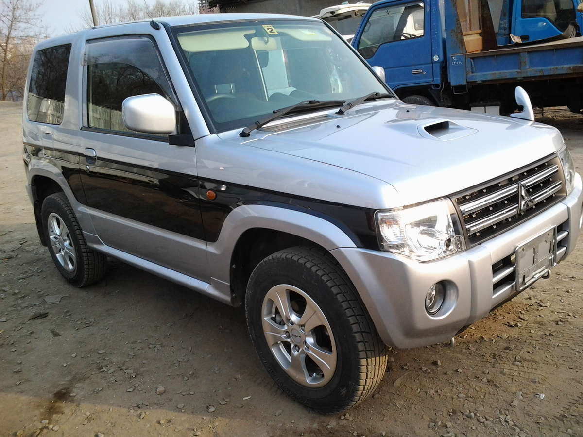 2011 Mitsubishi Pajero Mini For Sale 0 7 Gasoline