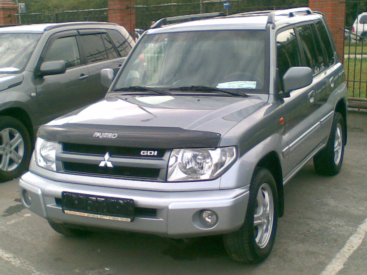 2004 mitsubishi pajero pinin photos 2 0 gasoline automatic for sale. Black Bedroom Furniture Sets. Home Design Ideas