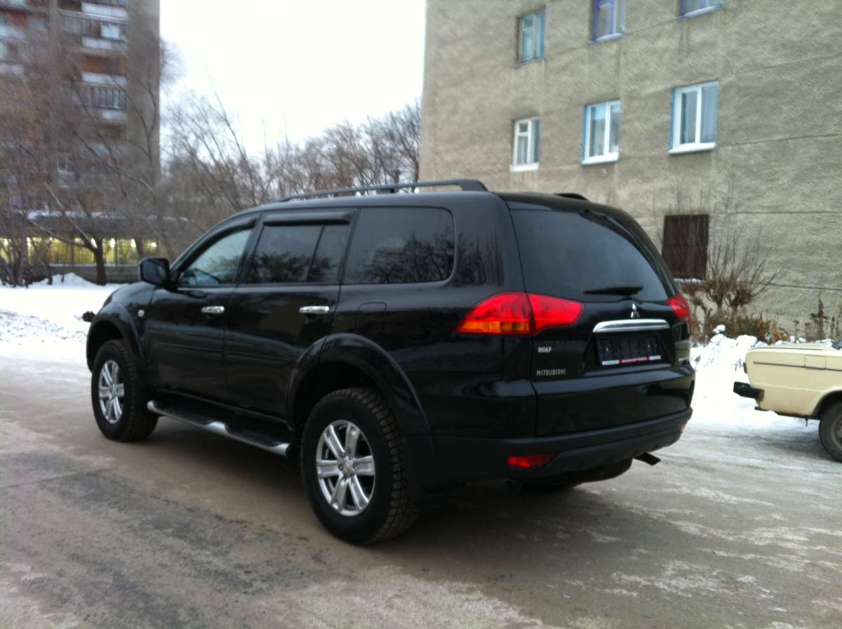 2010 Mitsubishi Pajero Sport Photos, 2.5, Diesel, Automatic For Sale