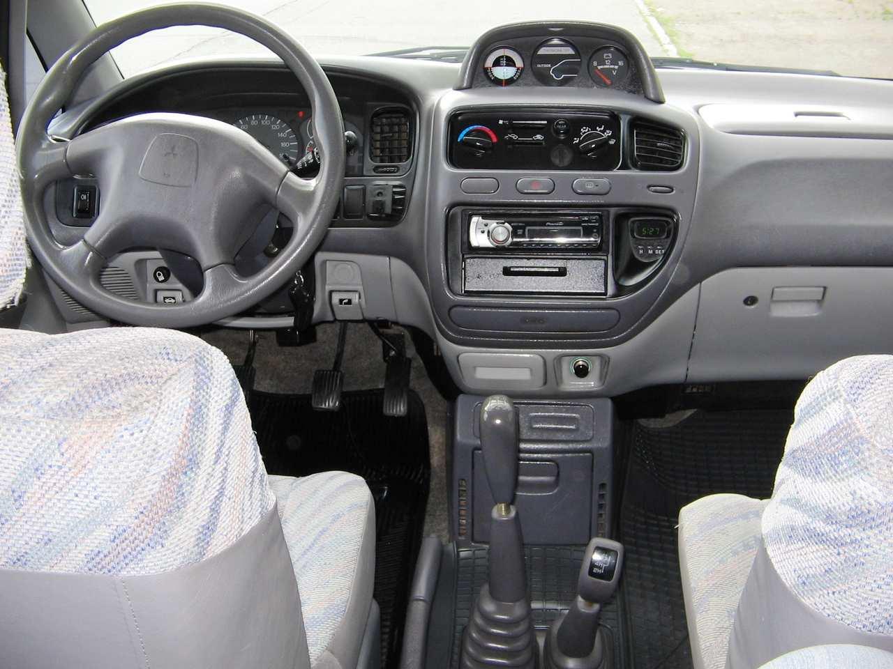 2000 mitsubishi space gear photos 2 5 diesel manual for sale rh cars directory net Chaminix 1994 Mitsubishi Delica L300 2017 Mitsubishi Delica
