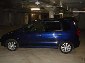 2004 Mitsubishi Space STAR Photos