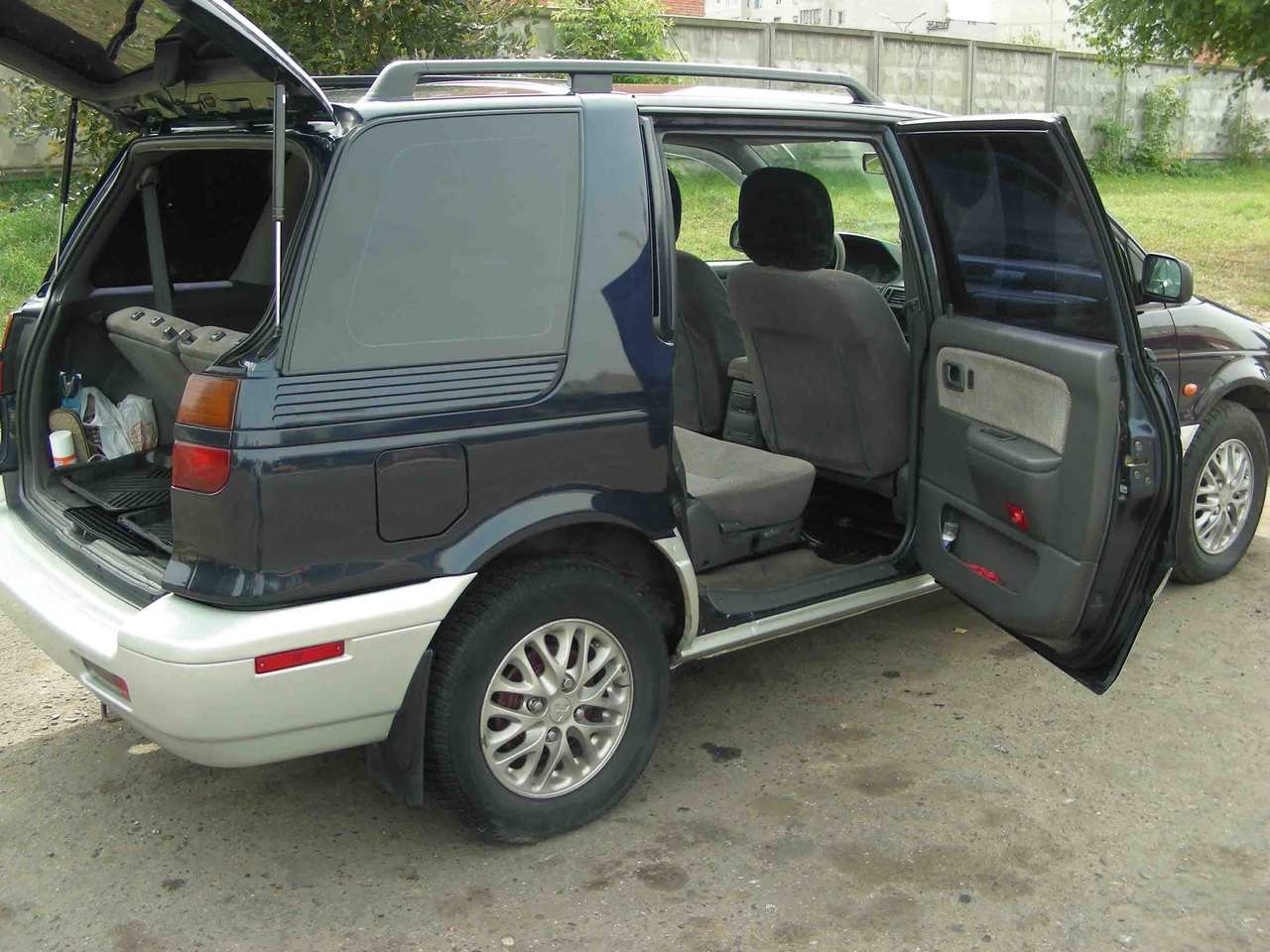 1997 mitsubishi space wagon photos gasoline manual for sale. Black Bedroom Furniture Sets. Home Design Ideas