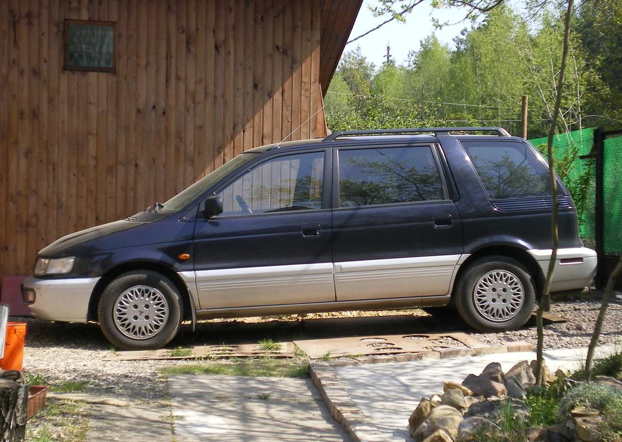1998 mitsubishi space wagon pictures 2000cc diesel ff manual for sale. Black Bedroom Furniture Sets. Home Design Ideas