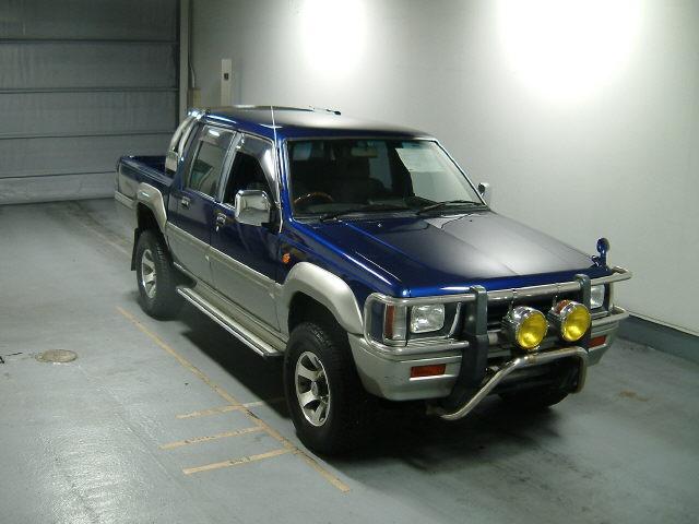 1993 Mitsubishi Strada Pictures