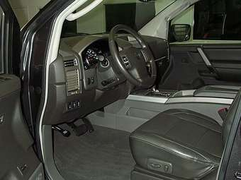 2005 Nissan Armada Pictures