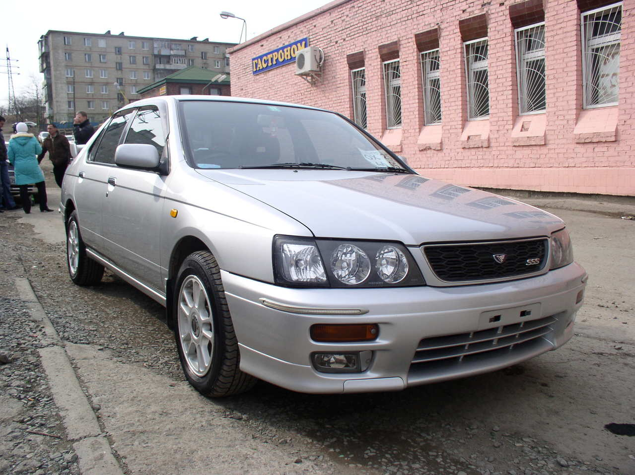 2000 Nissan Bluebird Pictures