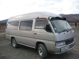 2000 Nissan Caravan Photos