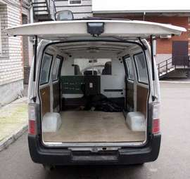 2003 Nissan Caravan Photos