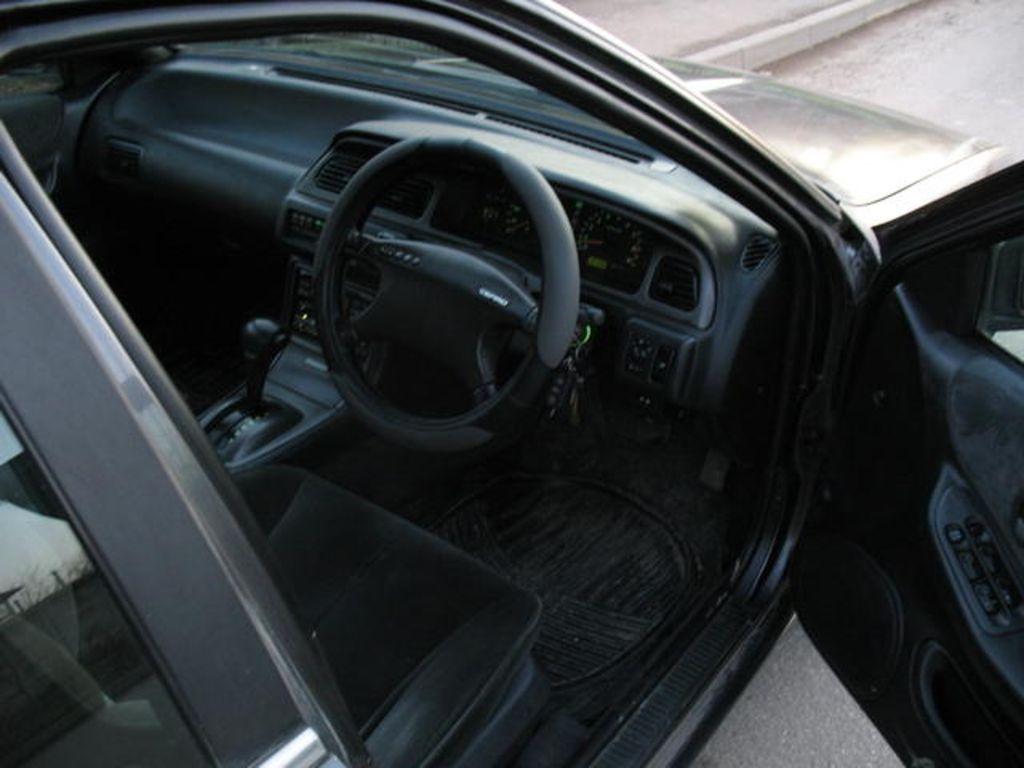 1993 Nissan Cefiro Photos