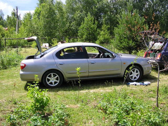 1999 Nissan Cefiro Pictures