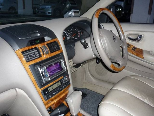 2002 Nissan Cefiro Pictures