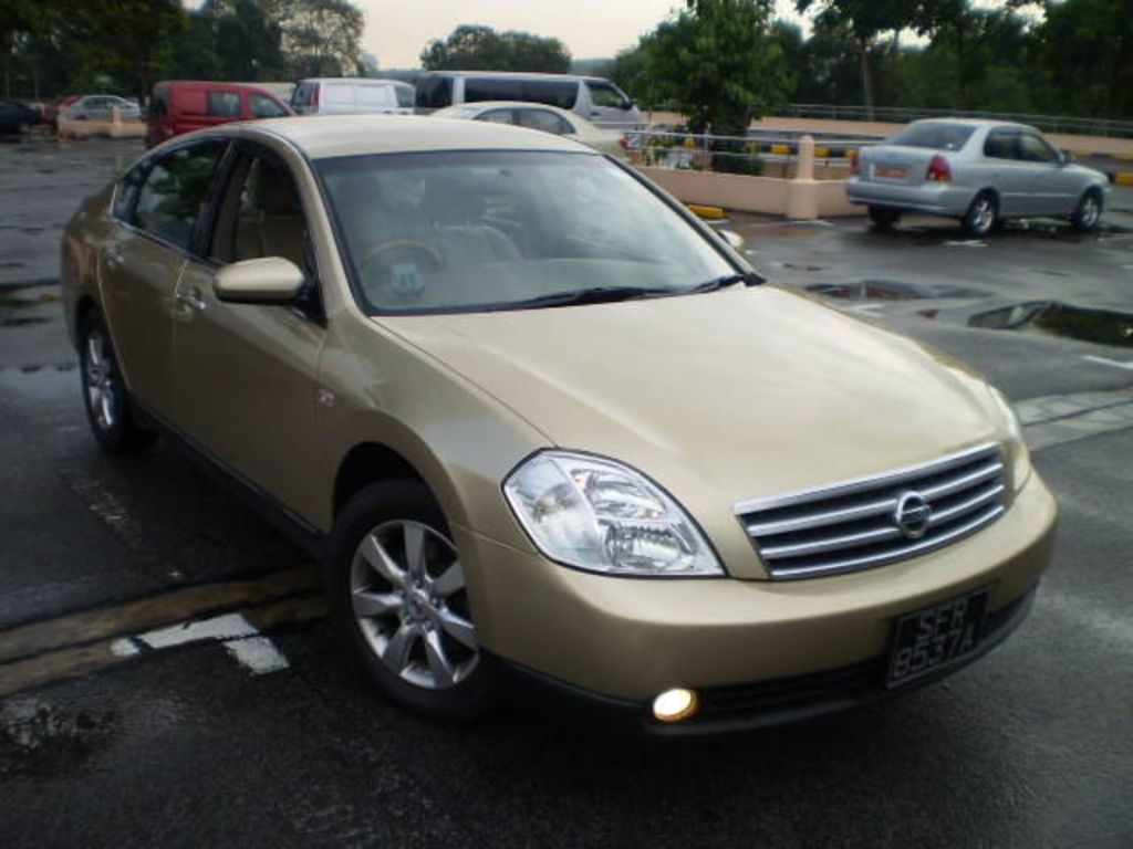 2004 Nissan Cefiro Pictures