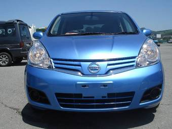 2011 Nissan NOTE Photos