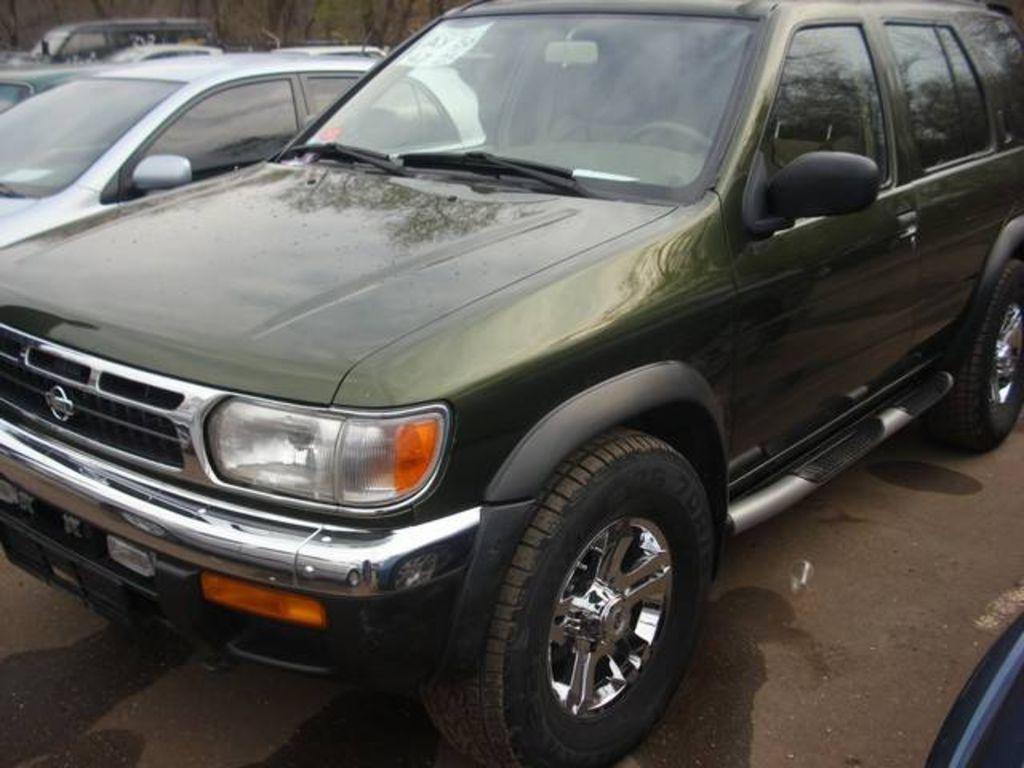 1997 Nissan Pathfinder Pictures
