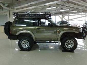 1999 Nissan Patrol Photos