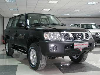 2011 Nissan Patrol Photos