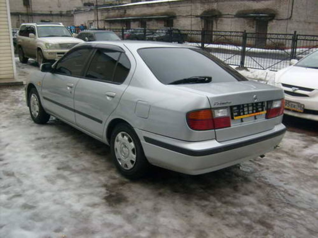 1997 Nissan Primera Pictures