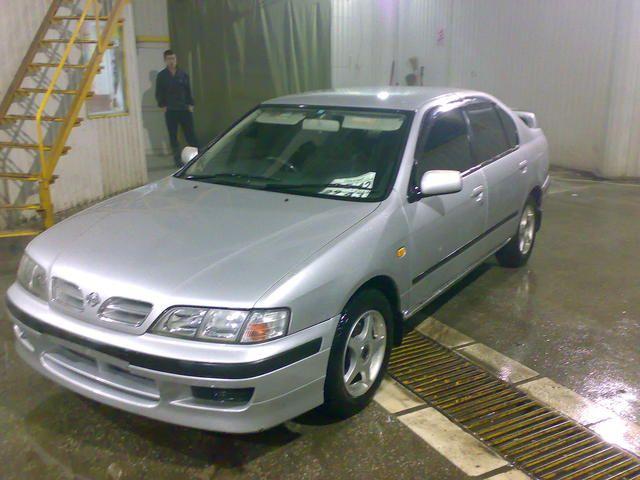 Nissan Primera. 1999 Nissan Primera - Test