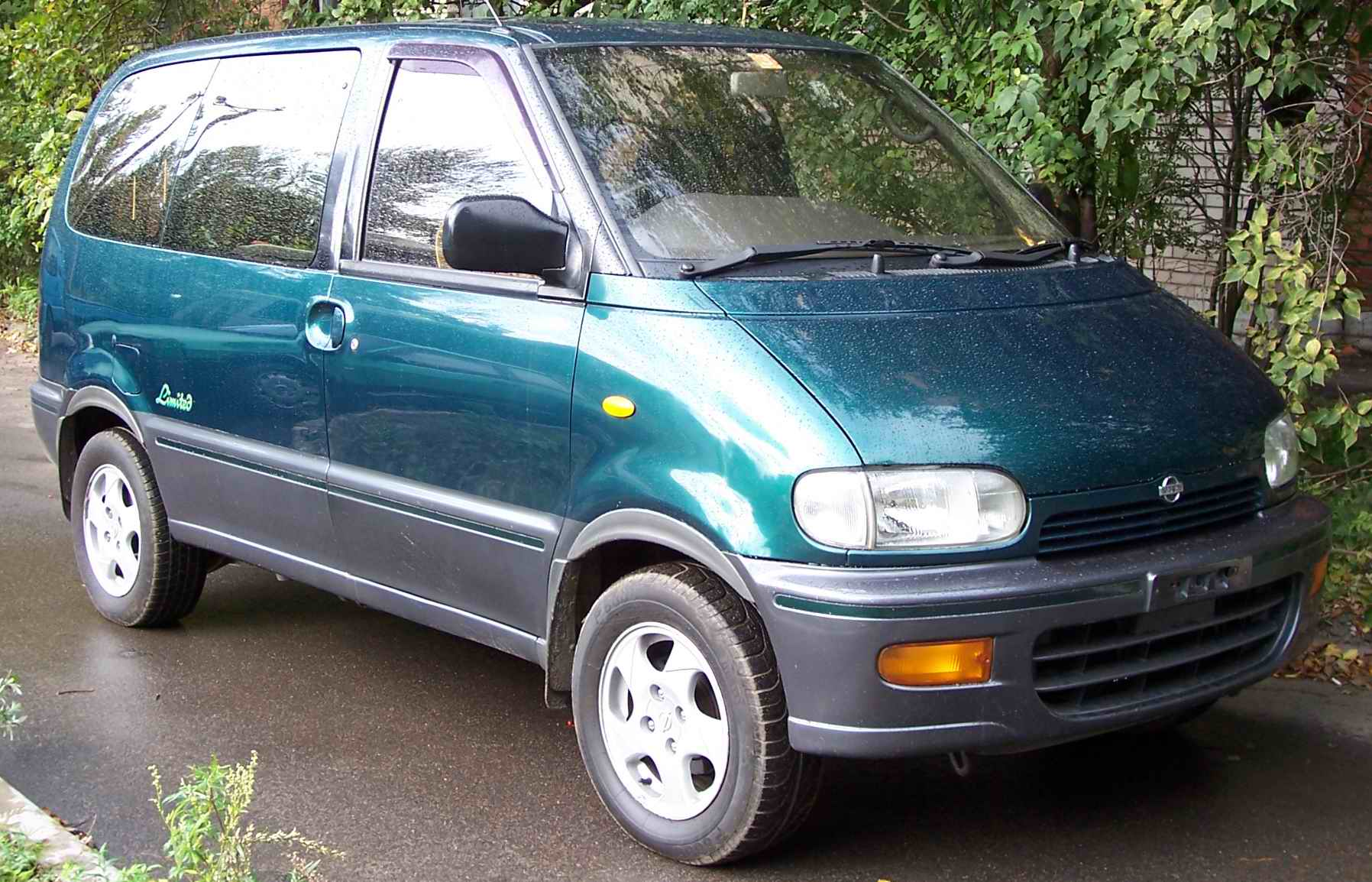 1996 nissan serena pictures 2000cc diesel automatic for sale